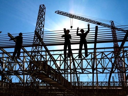 Picture of construction workers on scaffolding